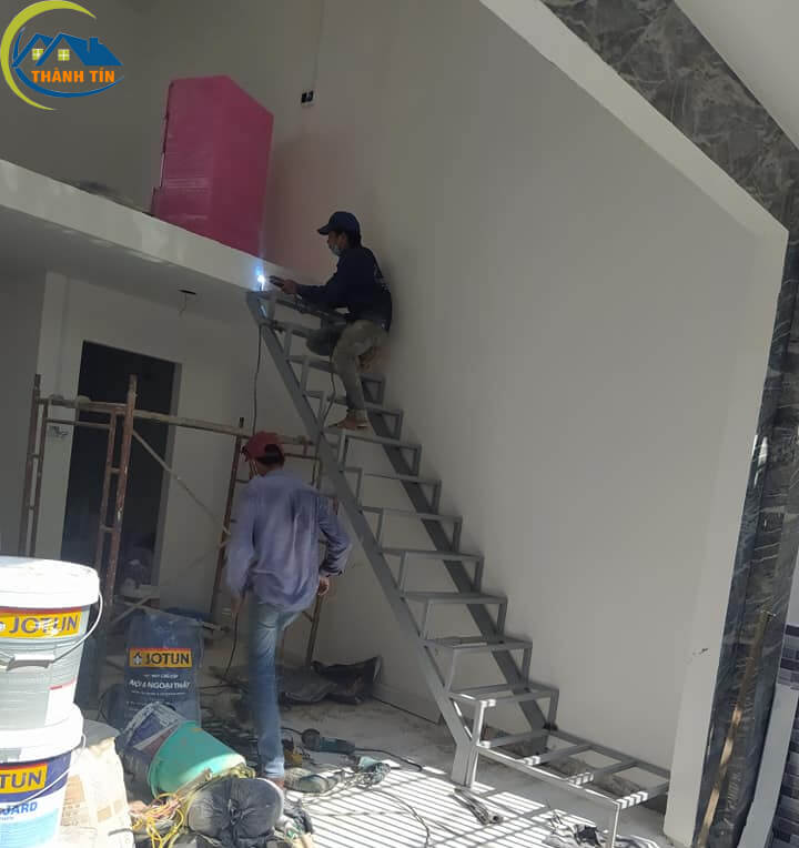 Sửa chữa nhà có gác lững